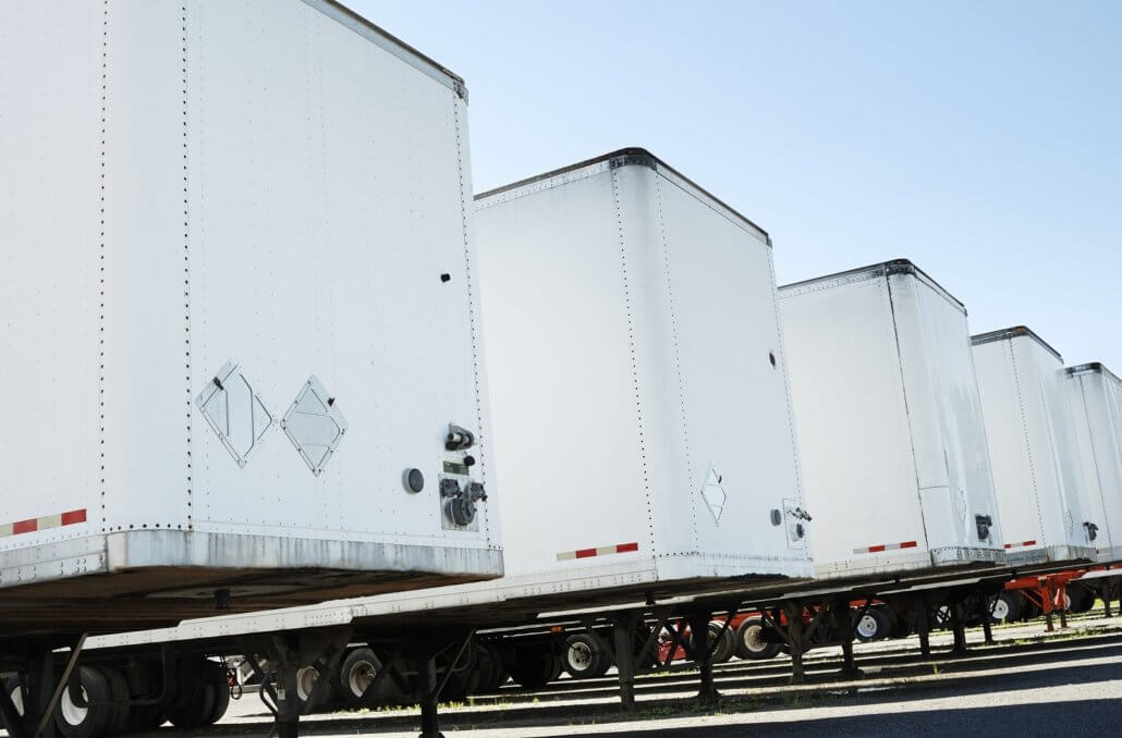 New trailer orders plunge 72% from a year ago
